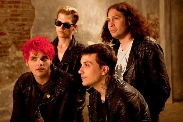 My Chemical Romance announced Friday night that it had broken up after a successful 12-year run.