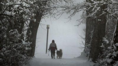 Spring snowstorm slams Rockies, heads east