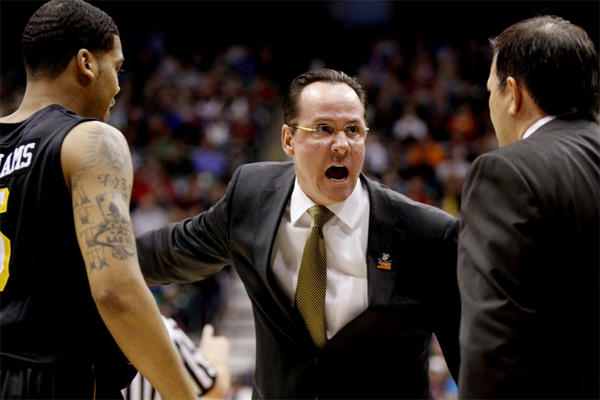 Wichita State Coach Gregg Marshall, center, on the sidelines against Gonzaga in the NCAA Tournament.