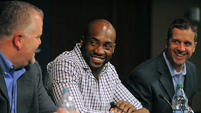 Elvis Dumervil on joining Ravens: 'It was time to change the sc…