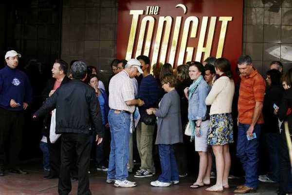 "People wait outside NBC-TV Studios in Burbank for a taping of ""The Tonight Show with Jay Leno."""