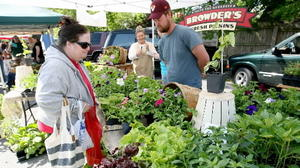 Farmer's market season kicks off on Peninsula