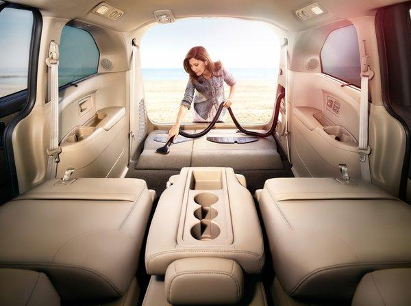 The refreshed 2014 Honda Odyssey Touring Elite comes with the HondaVac, an integrated vacuum developed in conjunction with ShopVac.