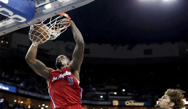 DeAndre Jordan and the Clippers defeated San Antonio in their first two encounters of the season, on Friday the Spurs look to even the series at two apiece.