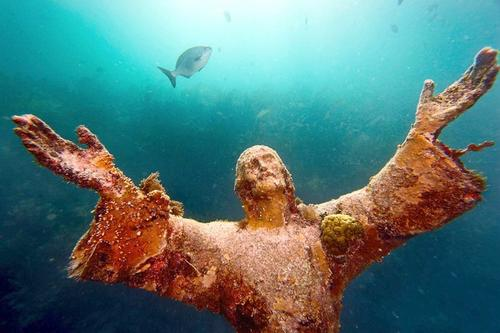 Christ of the Abyss statue in Pennekamp Park
