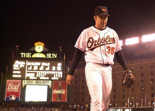 Mike Mussina, an Oriole from 1991 to 2000, announced his retirement Thursday after 18 seasons in the majors.