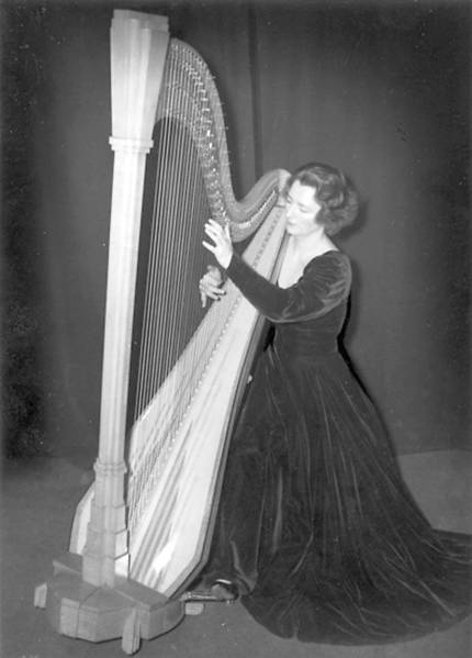 Edna Phillips, the first woman in the Philadelphia Orchestra, is profiled in the book 'One Woman in a Hundred.'