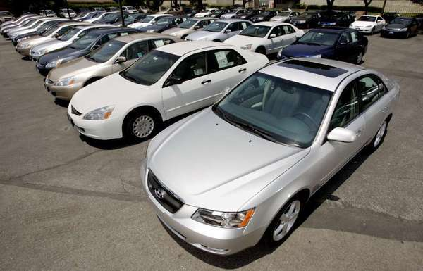 A 2006 Hyundai Sonata with Honda Accords at Honda of Pasadena.