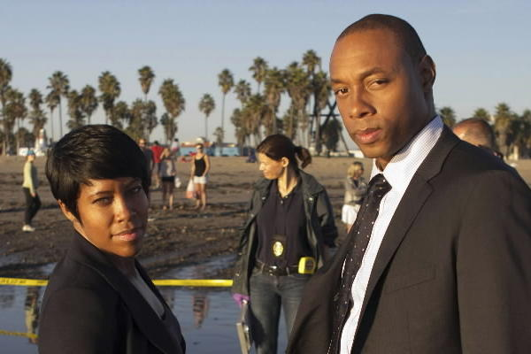 "Regina King and Dorian Missick in ""Southland"" on TNT."
