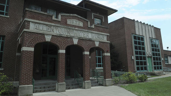 The Lehigh County Authority has placed the winning bid of $220 million to lease Allentown's water and sewer systems.