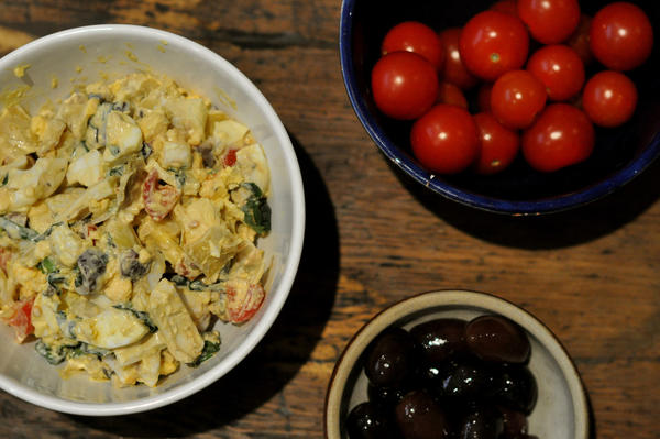 Put a twist on traditional egg salad with this Mediterranean version featuring Kalamata olives, artichoke hearts and cheery tomatoes.
