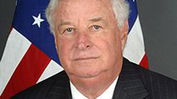 Former ambassador to Britain Louis Susman.