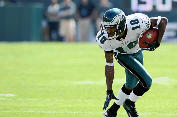 Philadelphia Eagles wide receiver DeSean Jackson (10) keeps his balance against the Baltimore Ravens at Lincoln Financial Field in Philadelphia on Sunday September 16, 2012.