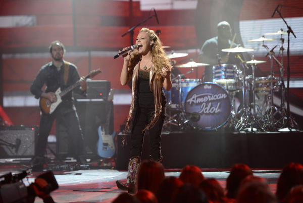 "Janelle Arthur performs on ""American Idol."""