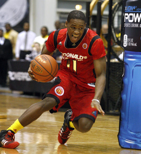 McDonald'sEast All-American Demetrius Jackson from Mishawaka, Ind., winner of the skills competition, goes through a drill during theMcDonald'sAll-American basketball Jam Fest in Chicago, Monday, April 1, 2013. (AP Photo/John Smierciak)