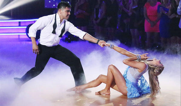 "Victor Ortiz and partner Lindsay Arnold compete in Week 3 of ""Dancing With the Stars."""