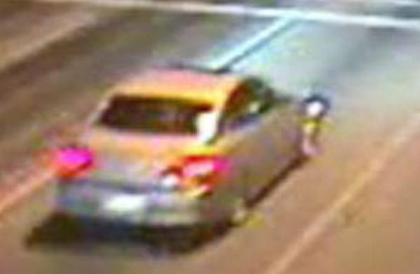 Hollywood Police seeking Infiniti that may have been involved in fatal crash