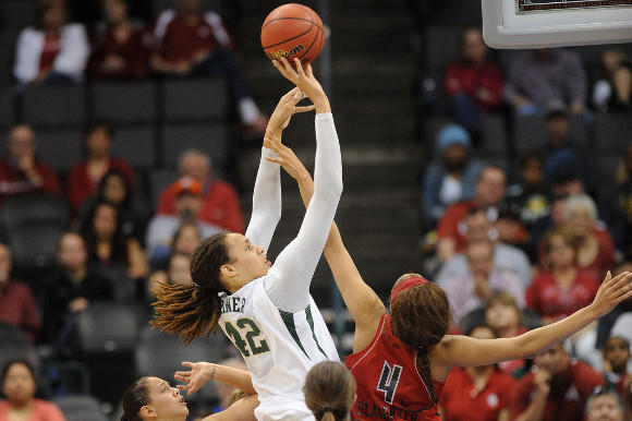 Brittney Griner shooting in her final college game.