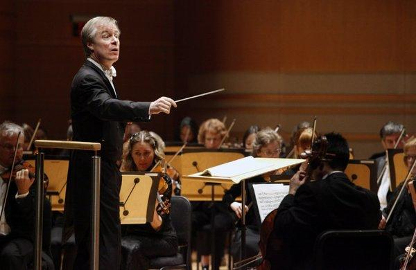 David Robertson conducting the St. Louis Symphony Orchestra in Costa Mesa last month.