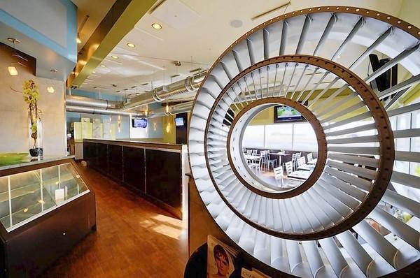 Top Broward restaurants - The dining room at Jet Runway Cafe.