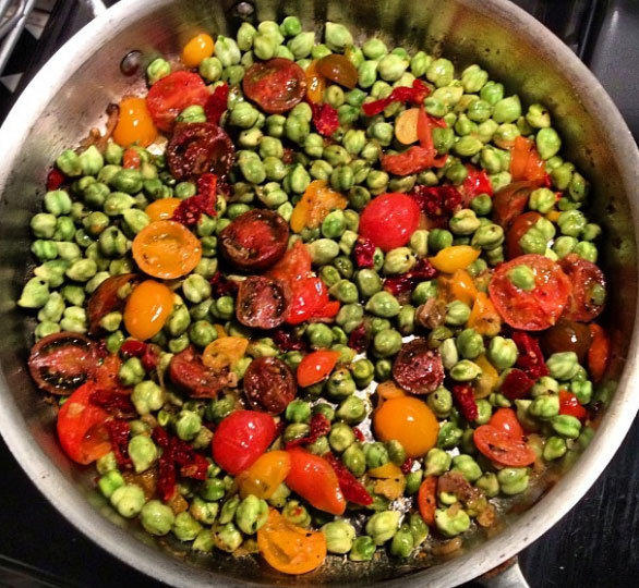 Chickpeas with tomato, mint, cilantro and ginger.
