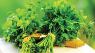 5 Reasons To Eat The Garnish-parsley