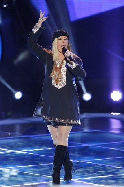 "Shawna P. sings during blind auditions of ""The Voice."""