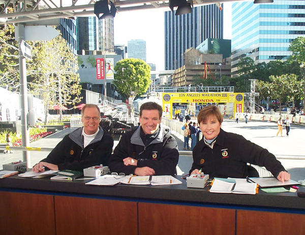 KNBC4 sportscaster Fred Roggin, center, with Toni Reavis, left, and Nancy Ditz at the 2007 L.A. Marathon. Roggin will be the host of new sports show on KNBC.