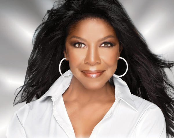 Natalie Cole performs Saturday at MGM Grand at Foxwoods.