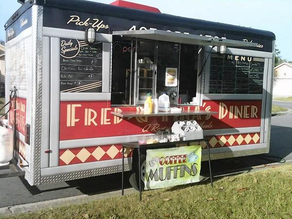 Follow Fred & Tina's Diner – A Restaurant on Wheels on Facebook.