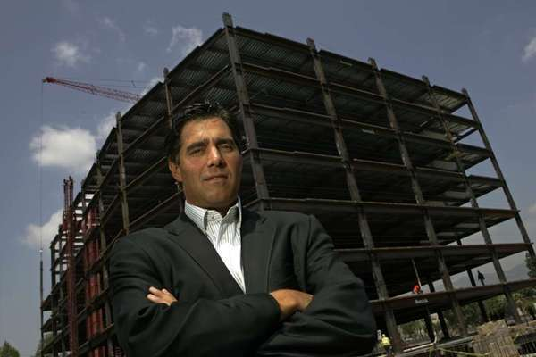 Entertainment real estate landlord Jeff Worthe shown in 2008 during construction of a new office tower for show biz tenants in Burbank.
