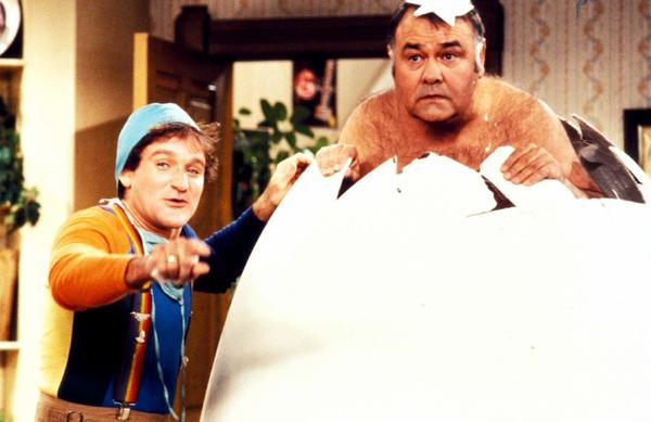 "Robin Williams and Jonathan Winters in ""Mork and Mindy."""