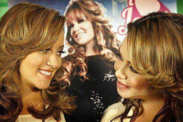 "Rosie Rivera, left, the sister of the late singer Jenni Rivera, and Janney ""Chiquis"" Marin, Jenni Rivera's daughter, are both in mun2's reality show, ""I Love Jenni."""