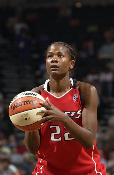 Sheryl Swoopes shoots a free throw against during a 2005 WNBA game.