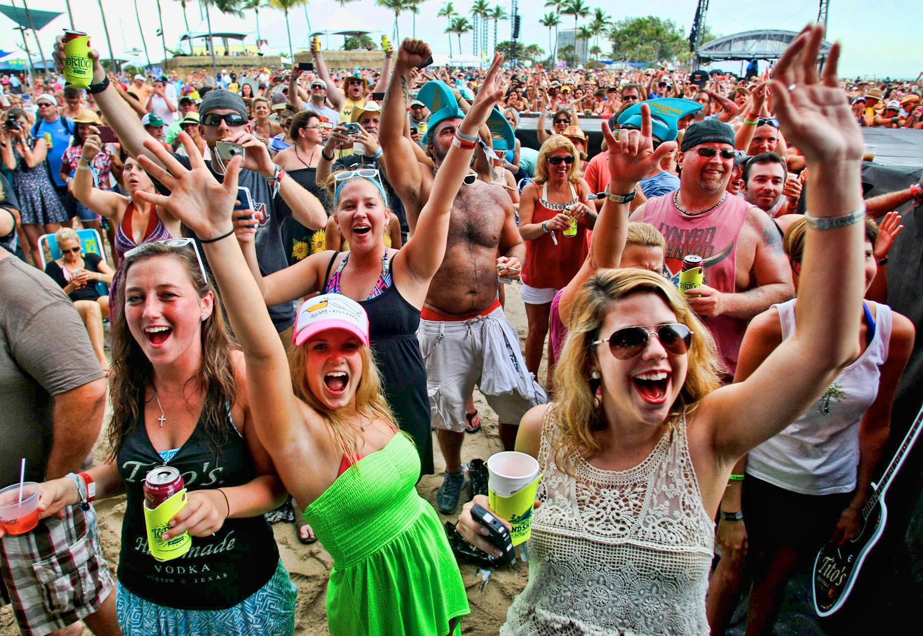 PHOTOS: 2013 Tortuga Music Festival - Just another day in paradise