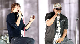 Coachella 2013: Phoenix and R. Kelly get on the good foot