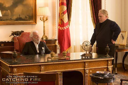 President Snow (Donald Sutherland) and Plutarch Heavensbee (Philip Seymour Hoffman)