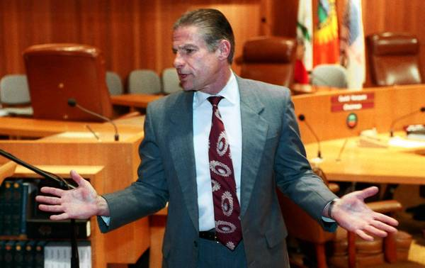 Ernie Schneider, shown during his tenure as Orange County's chief administrative officer, has died at 66. He was the top appointed officer when Treasurer Robert L. Citron was discovered to have lost $1.64 billion in the value of the county's investment portfolio. Schneider was fired in the tumultuous time after the bankruptcy.