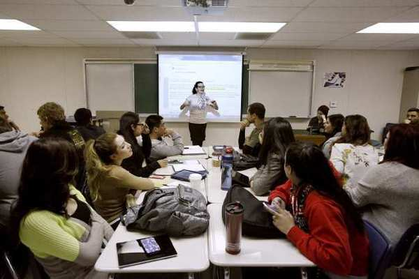 """Glendale College Ethnic Studies Instructor Fabiola Torres in the """"Chicano Experience"""" class at Glendale Community College."""