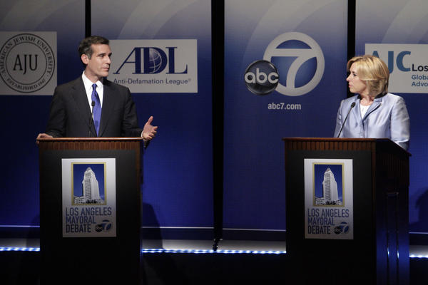 Mayoral candidates Eric Garcetti and Wendy Greuel in a debate last week at American Jewish University.