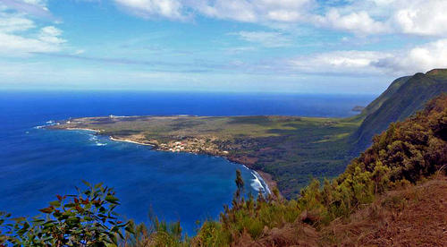 Despite having 95 miles of stunning coastline, the only great barrier reef in Hawaii and world-class hikes, Molokai doesn't go out of its way to lure tourists. There is one hotel and a couple of condos, a handful of places to eat.