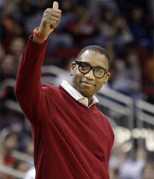 Veteran forward Tracy McGrady has signed with the San Antonio Spurs for the playoffs.