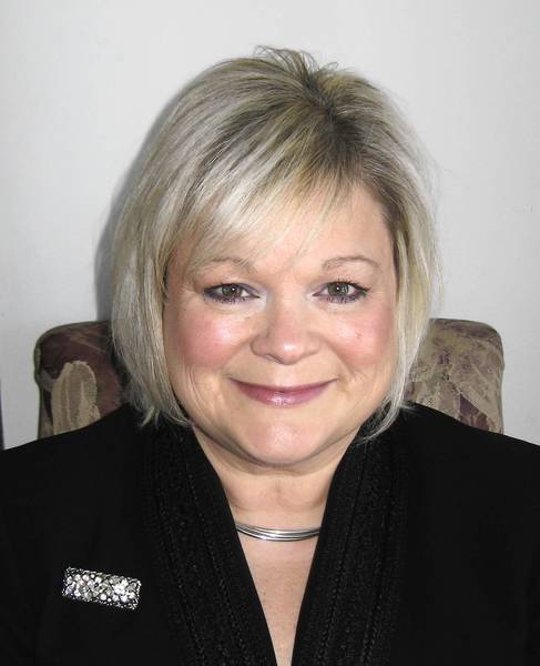 Mayor-elect Gina Cunningham-Picek will become the first new mayor in Woodridge in more than 30 years.