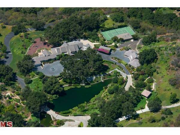 Brentwood compound listed at $40 million