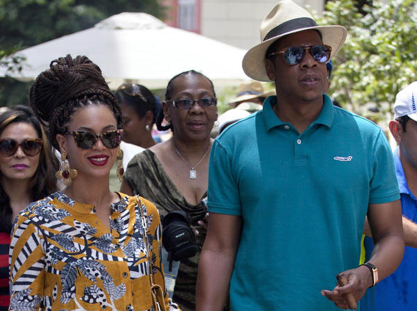 Powre couple Beyonc and Jay-Z on their tour of Old Havana on April 4.