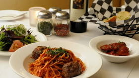 Review: Sal's spaghetti, Hess's strawberry pie preserved at Cosmopolitan