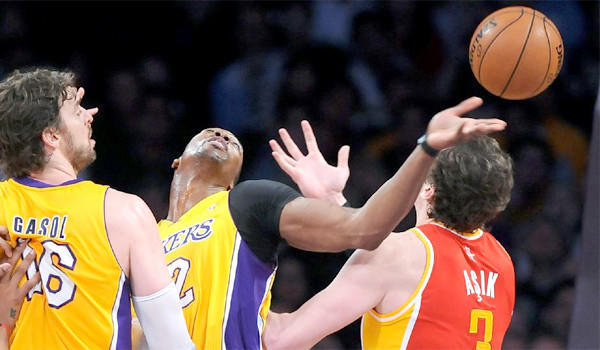 Dwight Howard became the youngest player in NBA history to record 9,000 rebounds during the Lakers' matchup with the Houston Rockets on Wednesday.