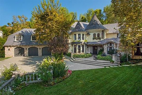 Joe and Tina Simpson have sold their English Storybook-style house for $3.5 million.