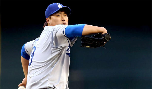 Dodgers left-hander Hyun-Jin Ryu has locked up his first endorsement deal to become a spokesman for Hanmi Bank.