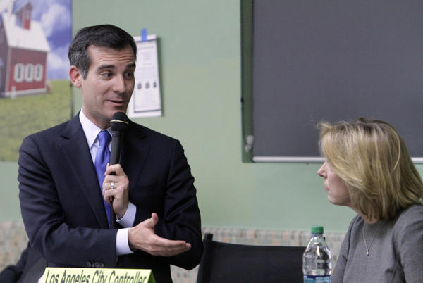 Mayoral candidates Eric Garcetti and Wendy Greuel in a debate hosted by the Sherman Oaks Homeowners Assn. at Notre Dame High School.